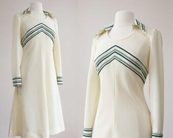 Crosscourt dress / Vtg 1970s dress / size medium