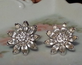 Vintage Stunning  Brilliant Floral Rhinestone Silvertone Screw Back Earrings