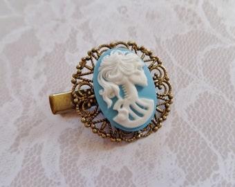 White On Blue She Skull Alligator Hair Clip