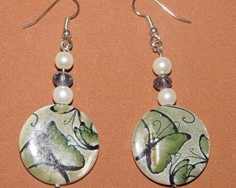 Lovely Butterfly Earrings in Green With Glass Pearls and Swarovski Crystals