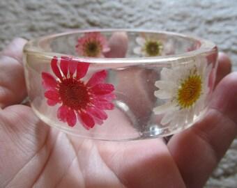 Vintage Floral Resin Bangle