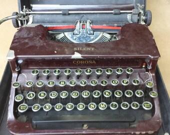 Vintage  1940's Smith Corona Silent portable typewriter