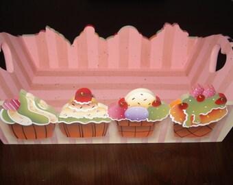 cupcakes basket
