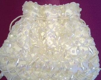 vintage beaded white purse,silky satin linning,ivory,draw string,like new,evening bag,wedding purse