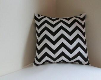 SALE Black/White  Accent Pillow Cover, Black/white  Zig Zag Pillow Cover