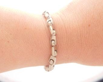 9 Inch White 10K Gold Link Bracelet
