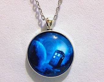 Glow in the Dark - Doctor Who Inspired Tardis necklace - TimeLord, Police Box