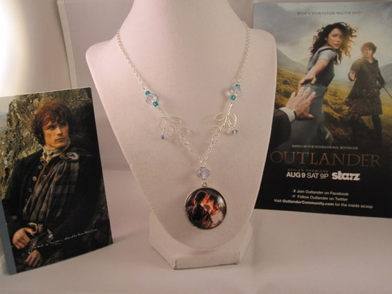 Outlander Wedding inspired necklace with reversible glass pendant