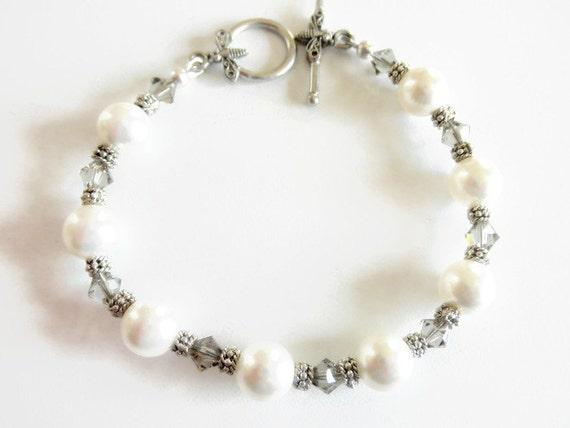White Pearl Bracelet, Victorian Style Bracelet, Wedding Bracelet, Bridal Pearl Bracelet, Victorian Jewelry, Wedding Jewelry,