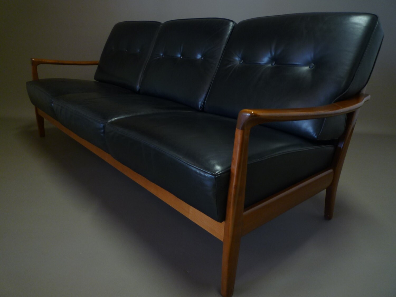 Canap 3 places cuir et teck design scandinave haute for Canape scandinave