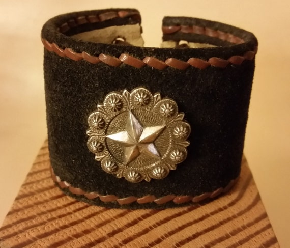 HANDSTITCHED SUEDE CUFF Lace-Up with Antique-Silver Star Concho, Brown Stitching. Adjustable Wrist Size Leather Bracelet. Lined. Unisex.