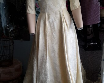 Vintage 1950s brocade wedding, ivory wedding dress. FREE SHIPPING!