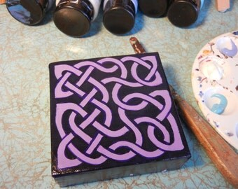 Purple and Violet Celtic Knot