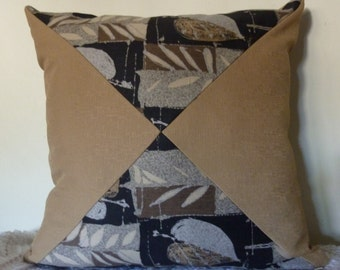 Brown triangle-designed pillow cover