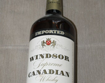 Vintage Imported Windsor Supreme Canadian Whiskey Amber Bottle - A Connoisseurs  - Incomparable Quality - a Blend - Alcohol - Liquor