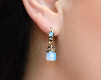 Moonstone Earrings, Opal Earrings, Opalite Earrings, Opal Jewelry, Opal, Opalite Jewelry, Moonstone Jewelry, Small Earrings E926