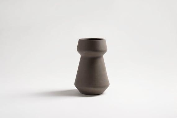 modern Ceramic Vase, Ceramic Pot, Flower vase, Flower pot, flower pot ceramic, modern home decor, Pottery vase, Pottery, modern minimalist