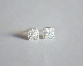 Square sterling silver stud earrings, made by silver wire (D51)