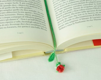 Rose bud bookmark to crochet