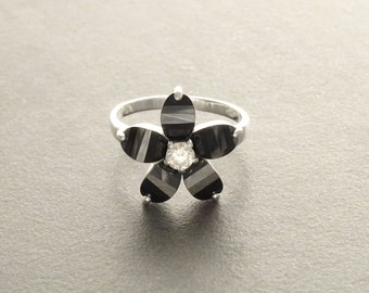 Black Flower Ring - small Flower Ring - Sterling Silver 925 - Flower Pattern -  Zirconias Ring - Fashion Ring -  Black and White .