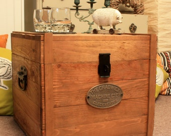 Vintage Wooden Chest Trunk Rustic Storage Blanket Box Antique Style Coffee Table