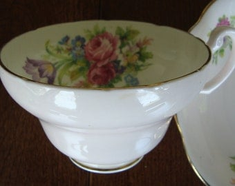 "Foley ""Tulip"" - Bone China England - Vintage Tea Cup and Saucer"