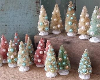 """One 3"""" Decorated Bottle Brush Tree"""