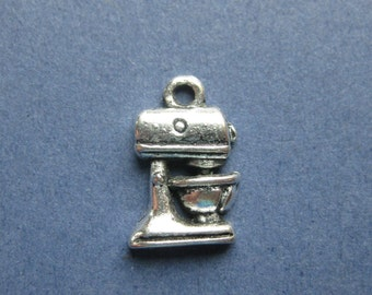 10 Mixer Charms - Mixer Pendants - Mixer - Baking Charm - Cooking Charm - Antique Silver - 16mm x 11mm -- (No.46-10142)