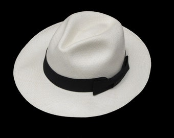 "Original Panama Hat from Montecristi ""Clásico""  Fino regular"