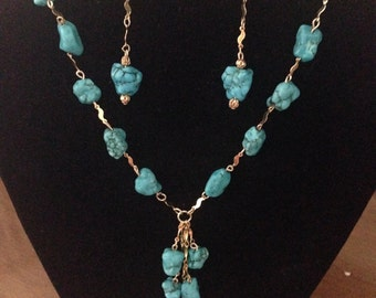 Turquoise Magnesite Necklace and Earring Set
