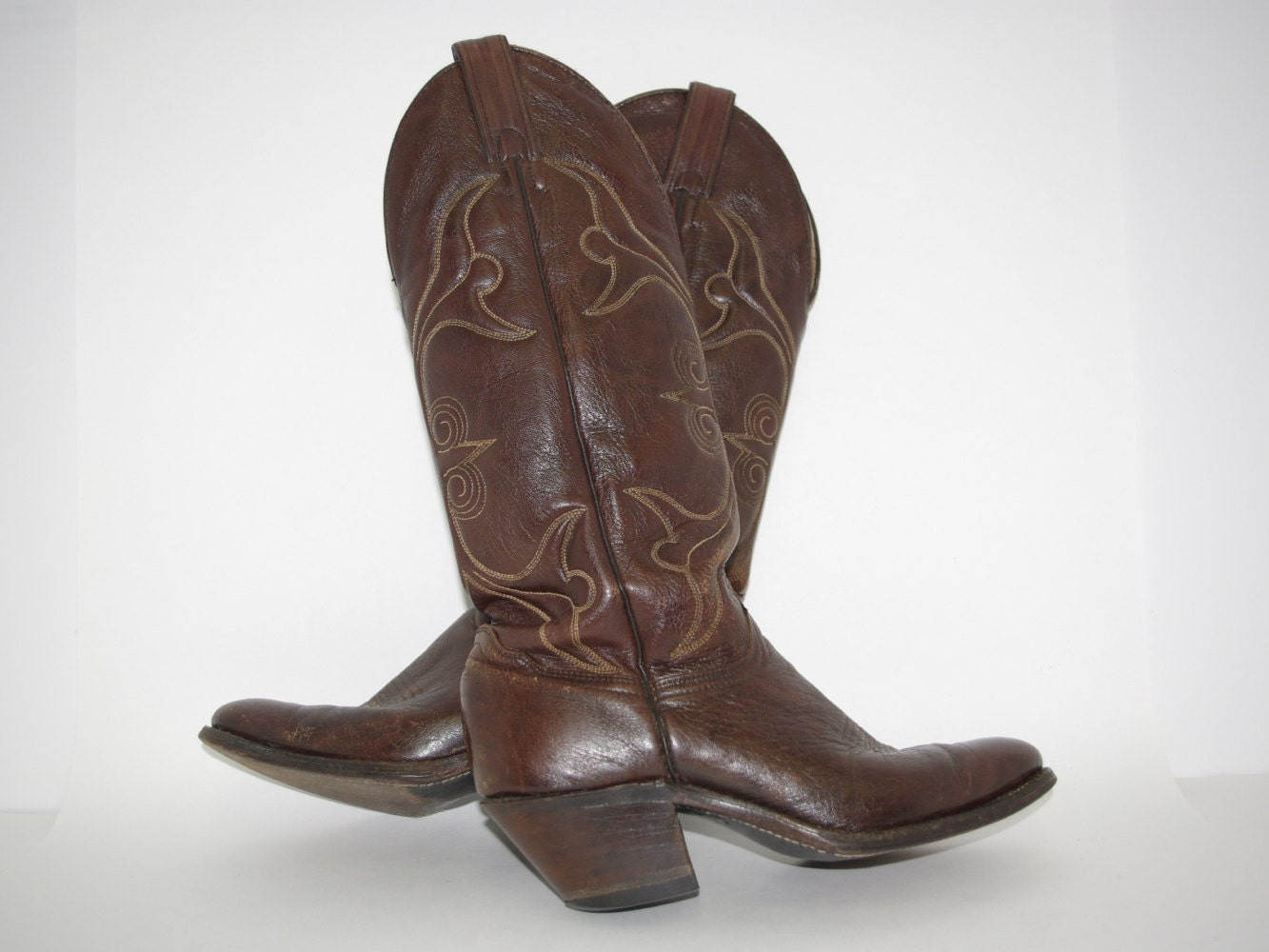 vintage abilene cowboy boots size 7m broken in and mellowed