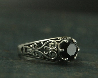 Onyx Filigree Silver Ring--Maleficent--Antique Style Ring--Vintage Style Ring--Promise Ring--Cocktail Ring--Black Solitaire Ring