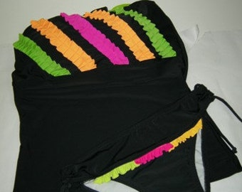 Tankini with appliqués of colors