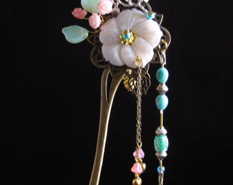 Cream Colored Floral Hair Pin