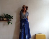 amazing dark blue vintage wrap maxi skirt folk flower pattern and pockets xs/s/m