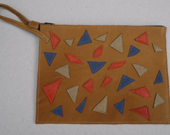 Pouch brown leather strap with multi-coloured wall woman