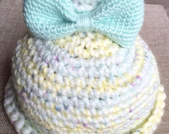 Bell hat with light green bow