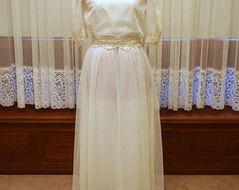 Boho-Rustic Original Vintage Wedding Dress Size 8-10