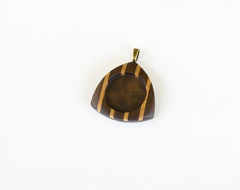 RESERVED for Dean - Triangle - Pendant Blank - Pendant Setting - Handcrafted by ArtBASE - 25.5 mm - Brass Bail - (E6-WMp)