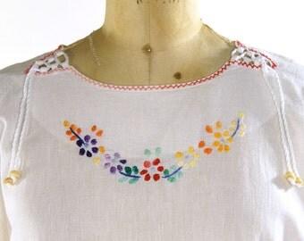 Indian Cotton Peasant Blouse / Vintage 1980s Bohemian / Boho / Hippie White Cotton Gauze with Embroidery