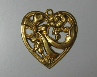 2 Brass Hearts with Flowers and a Ribbon Stamping / Finding