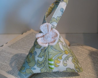 Holiday Keepsake Pouch by fancibags on Etsy
