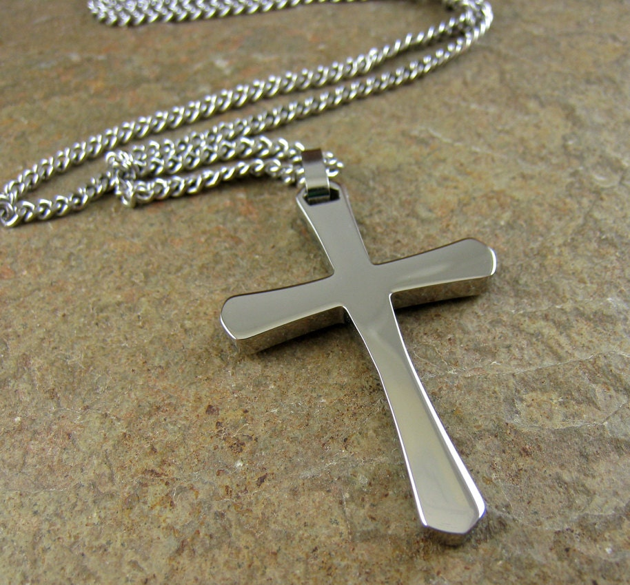 silver men 39 s cross necklace stainless steel cross. Black Bedroom Furniture Sets. Home Design Ideas