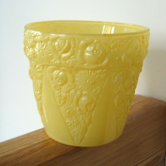 Vintage Flower Pot Yellow Frosted Glass