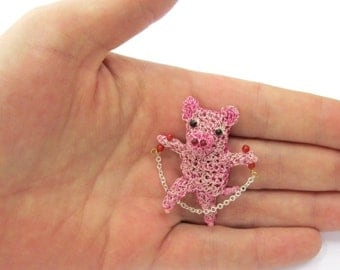 SALE Skipping pig brooch - pig jewelry, cute animal, piglet brooch, gift idea, pink jewelry, little pig, animal pin, modern jewelry