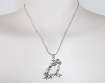 1970s Vintage Frog Pendant Necklace Silver Tone