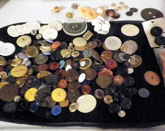 Buttons Assorted Sizes Vintage 1 lb. Bulk Lot Multi-colors/Crafts and Artist Supplies/Repurpose/Jewelry/Bone Fabric Leather Metal