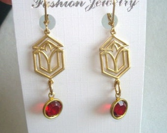 Vintage Jewelry Ruby Red Crystal  Dangle Earrings