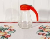 Vintage Syrup Pitcher, Red Plastic Lid, 1950s Deco Red Syrup Pitcher, Farmhouse Kitchen Decor