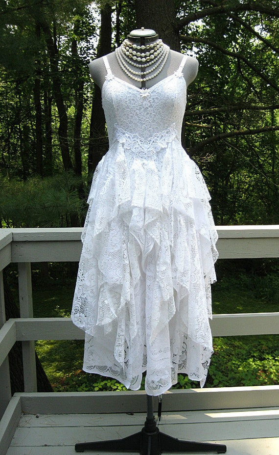 13 beautiful boho wedding dresses for the laid-back bride ... |Tahari White Dress Hippie Bohemian